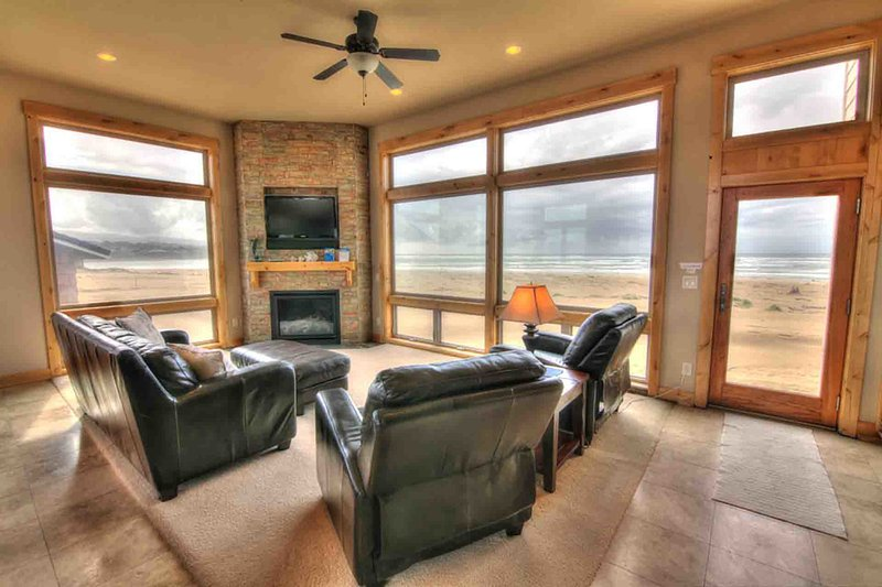 Luxurious Home Sits Right on the Beach! Game Room, Pet Friendly! - Image 1 - Waldport - rentals