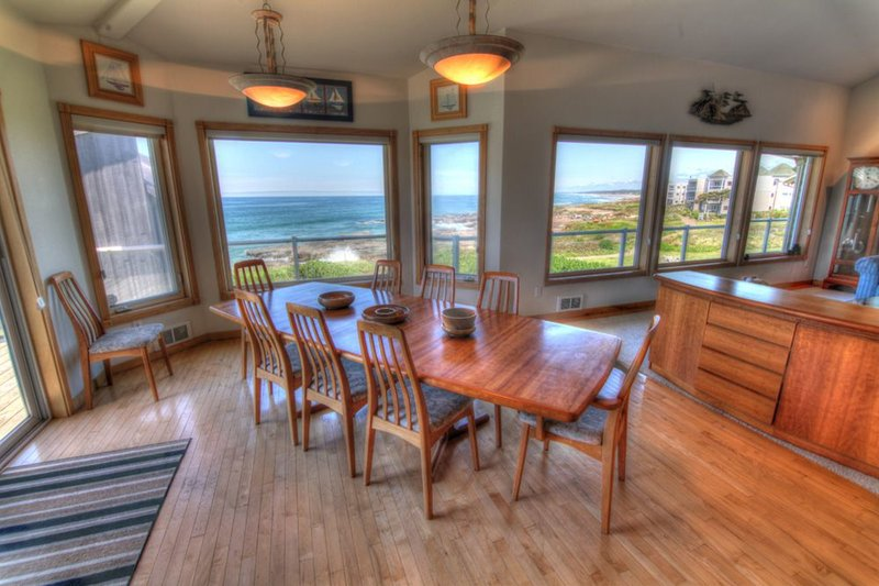 Ocean Front Luxury Home with Hot Tub and Game Room! Free Night! - Image 1 - Yachats - rentals