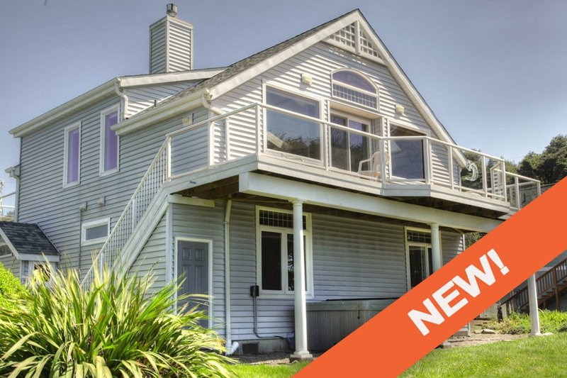 Ocean Views From Every Room! Hot Tub! Newly Remodeled! Free Night! - Image 1 - Yachats - rentals