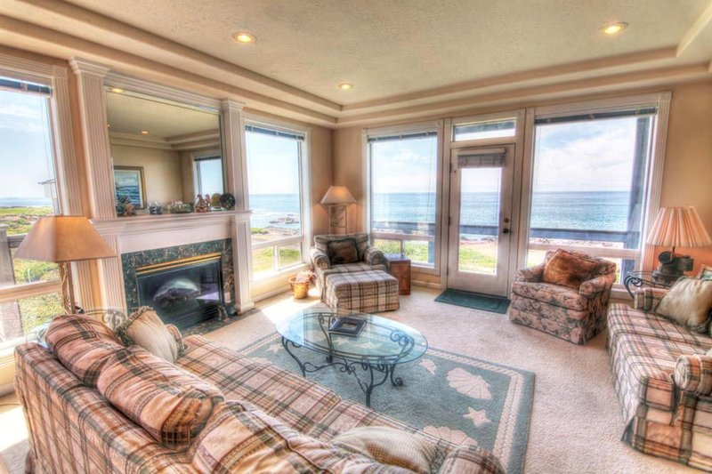 The Arbor House South Every Bedroom Has an Ocean Front View! - Image 1 - Yachats - rentals