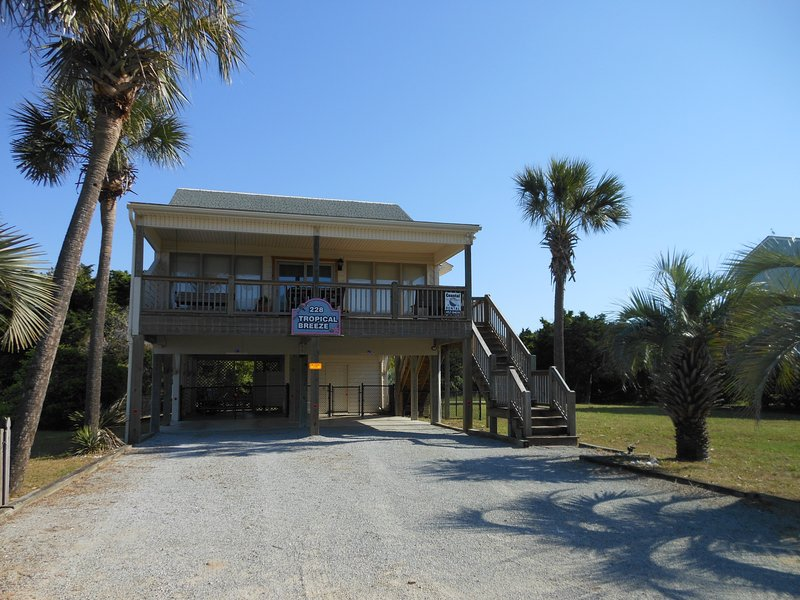 Tropical Breeze Beach House - Tropical Breeze Oceanview Beach House-Dog Friendly - Oak Island - rentals