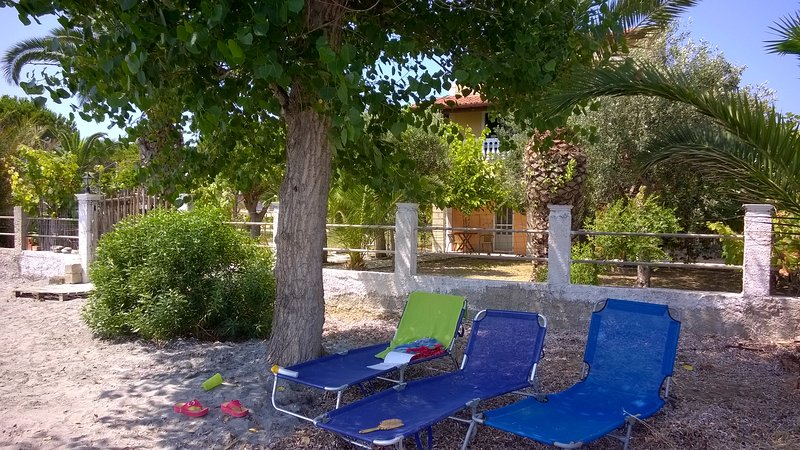Accommodation on the beach on Corfu island-4 beds - Image 1 - Kavos - rentals