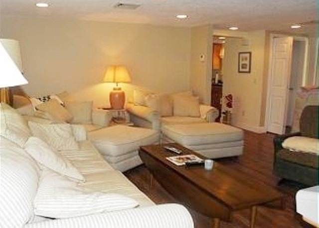 Eastham near Cooks Brook Beach on Cape Cod Bay with Central A/C! - Image 1 - Eastham - rentals