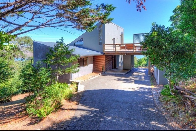 Modern home influenced by surrounding agricultural structures - Highland House - Inverness - rentals