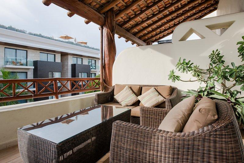 Balcony area - A HOLIDAY PENTHOUSE IN PLAYA DEL CARMEN, MEXICO - Playa del Carmen - rentals