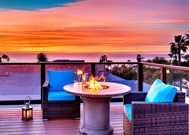 Amazing sunset and ocean views await you for this roof top deck. - Sweeping Ocean Views - Roof Top Deck & Hot Tub - Steps to Beach - La Jolla - rentals