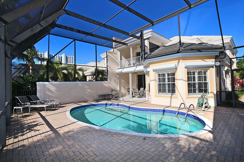 Exterior back and pool - Carlton Place in Pelican Bay - Naples - rentals
