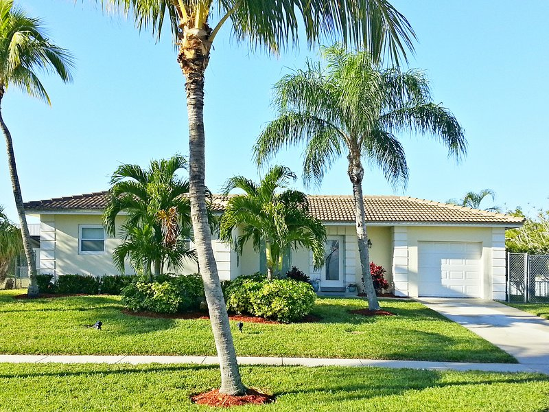Welcome To Paradise! - Gorgeous Canal Home With Dock! Quick Ocean Access! - Marco Island - rentals