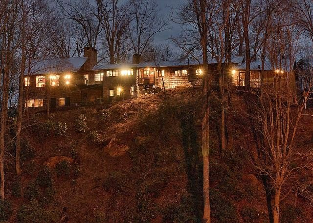 Round Knob Lodge | 6 BR | Historic, Renovated Railroad Executive Lodge - Image 1 - Black Mountain - rentals