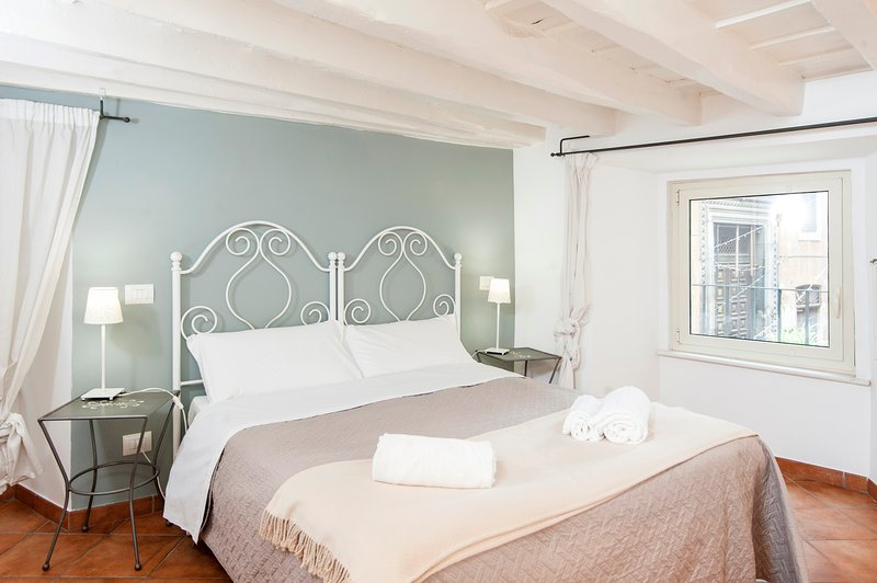 main bedroom  - COSY APARTMENT PIAZZA NAVONA - A BRIDGE TO S.PETER - Rome - rentals