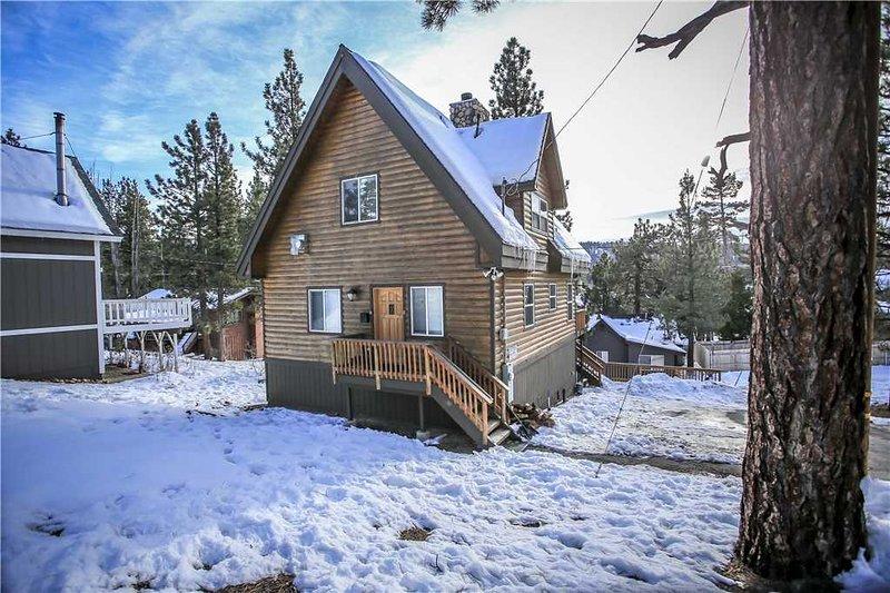 """""""Cabin Big Bear"""" By The Lake - Image 1 - City of Big Bear Lake - rentals"""
