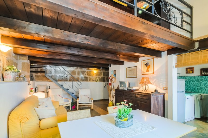 Attic in Alghero old Town Restored with respect of tradition - Best located in Old Town one step  to sea, Alghero. True feeling of Sardinia! - Alghero - rentals
