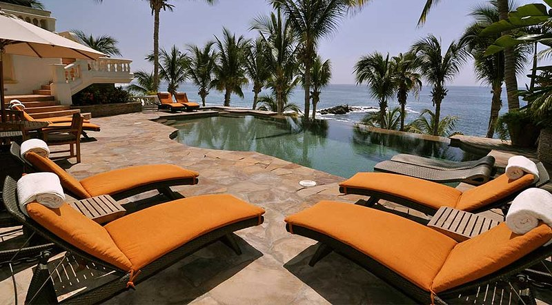 Casa Mariposa is a beachfront paradise! Wake up to spectacular sunrise views - Image 1 - San Jose Del Cabo - rentals