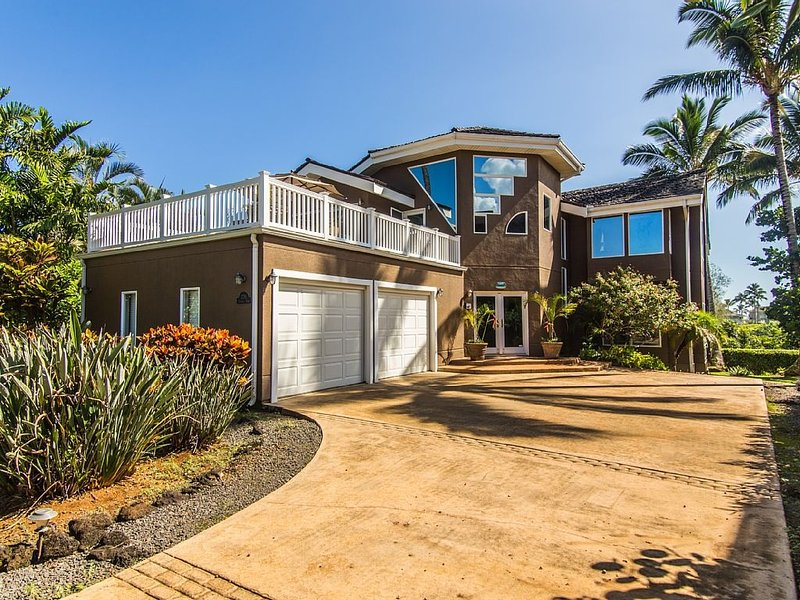 Front view - Princeville Whale Manor - hot tub, great views - Koloa - rentals