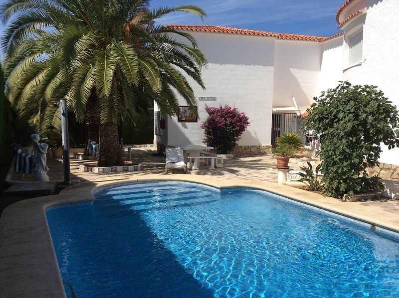 Bungalow and Pool - DENIA -Bungalow 90m2,  Pool 5x10m, Terrace, Sea fine Sandy Beach 200m, Parking, WIFI, Sat. TV - Els Poblets - rentals