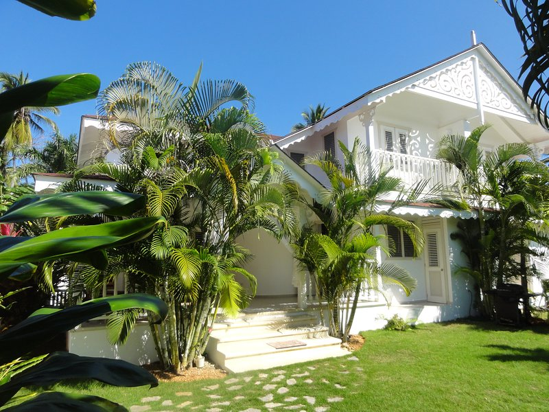 Creole style villa in a tropical garden - Creole styled Villa, 2 minutes away from the beach - Las Terrenas - rentals