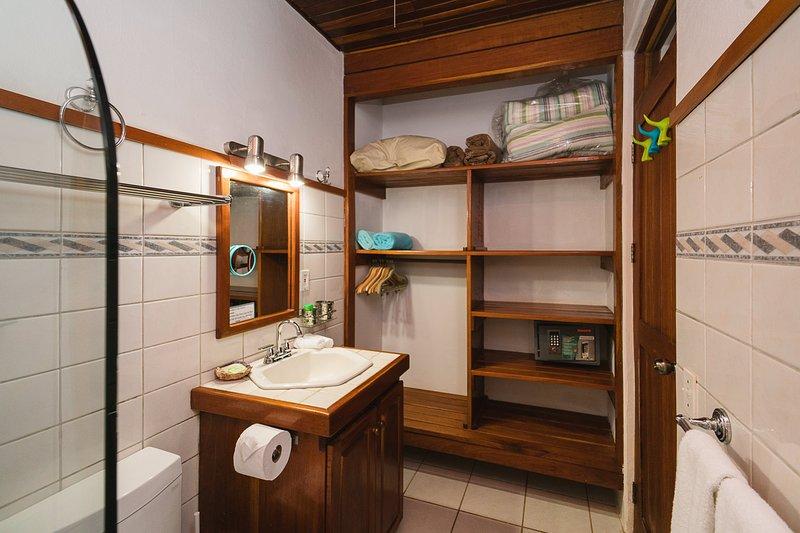 Casa Sueca Apartment  50 meters from the Beach - Image 1 - Tamarindo - rentals