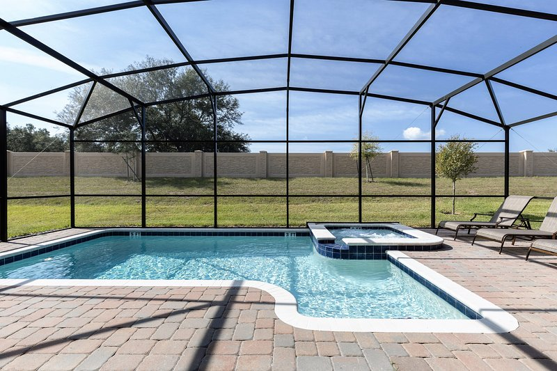 Pool - no rear neighbours - Luxury 8 Bed Villa Champions Gate 15min to  Disney - No rear neighbours - Davenport - rentals