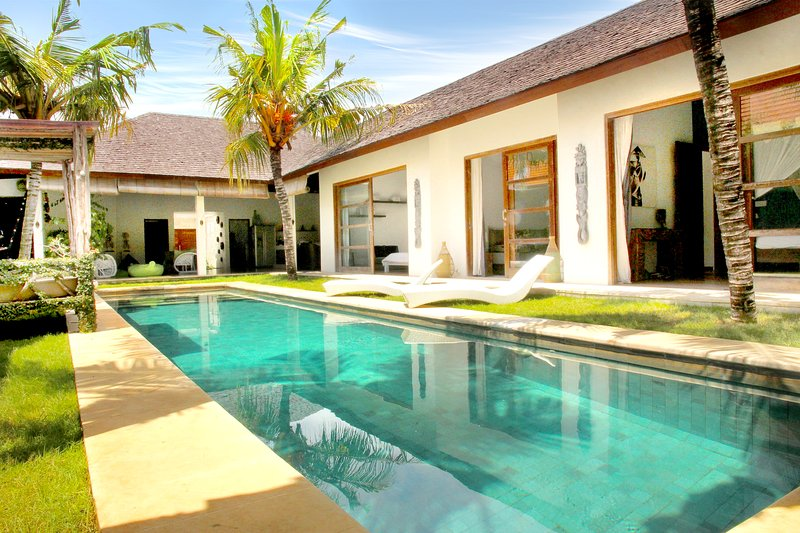 14 m Pool - Villa Louise Bali - 400m Sanur Beach - Large Pool - Sanur - rentals