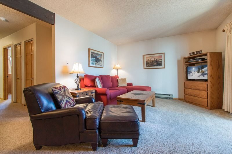 Snowdance Condominium A303 - Walk to slopes, updated bathroom, Mountain House! - Image 1 - Keystone - rentals