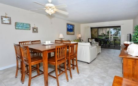 Living/Dining Room - Crescent Beach Gulf Side 2BR/2BA- Chinaberry 414 - Siesta Key - rentals