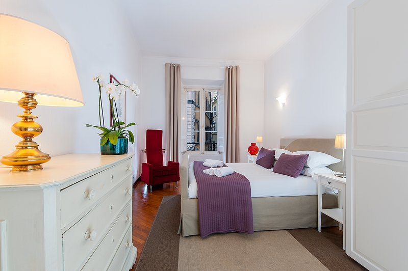 Bedroom 1 - Pasquino Apartment - Piazza Navona - Rome - rentals