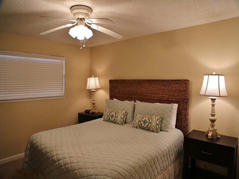 Master - King - Harbor House B14 - Gulf View - Gulf Shores - rentals
