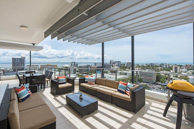 Darwin Executive Penthouse & FREE CAR - 3 Bedroom Sleeps 8 - Image 1 - Darwin - rentals