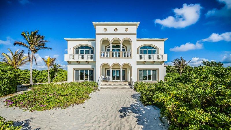 Casa Del Mar Bonito, Sleeps 8 - Image 1 - Playa del Secreto - rentals