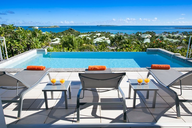 LA SARABANDE...magnificent 180 view over Orient Bay, 3 equal master suites - Image 1 - Orient Bay - rentals