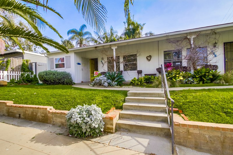 La Jolla Cottage - A/C, free WIFI, private patio and walk to shops and beach - Image 1 - Elvira - rentals