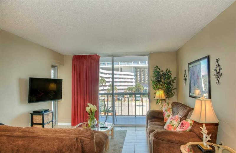 So. Hampton 203, Great 2 Bedroom Rental with a Pool and Terrace - Image 1 - Myrtle Beach - rentals