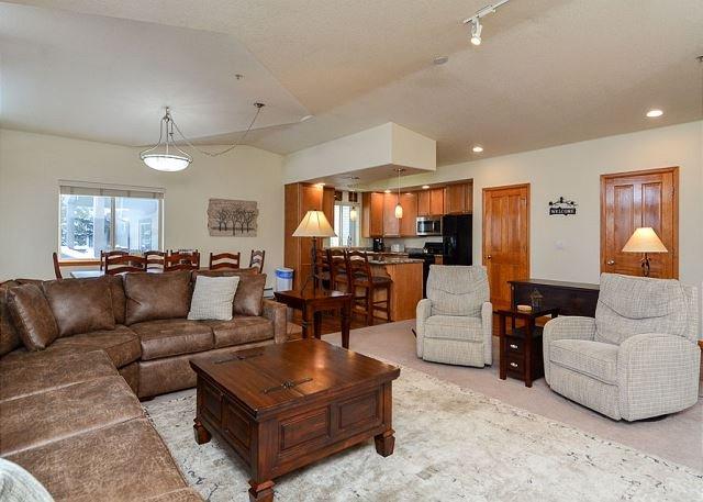 Cross Creek Condo Living Room Frisco Lodging Frisco Condo Rental - Cross Creek Penthouse Condo Frisco Colorado Vacation Rental - Frisco - rentals