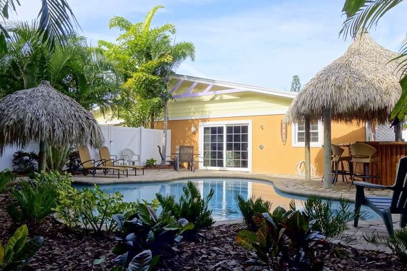Pool 1 - TIKI COTTAGE - Holmes Beach - rentals