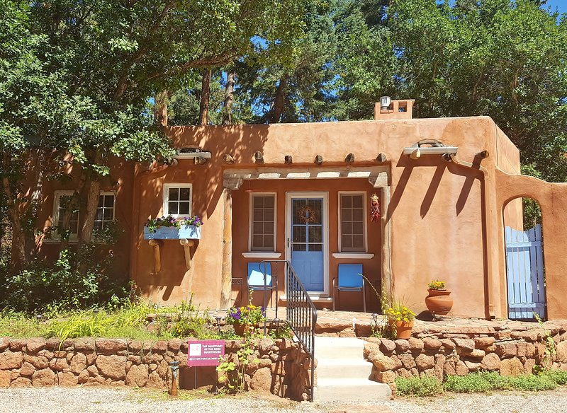the Sanctuary of the Rose Guesthouse. Peaceful Mountain Luxury for Two  - Summer Deal/Luxury Guesthouse for 2 by Pikes Peak with Mtn Views/5 star reviews - Colorado Springs - rentals