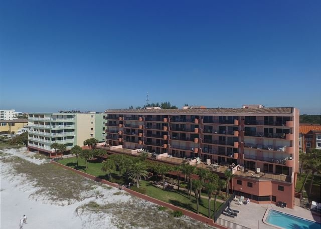 The Rose on Indian Shores - Penthouse Gulf Front Unit, Heated Pool, Covered Parking, Electric Grill - Indian Shores - rentals