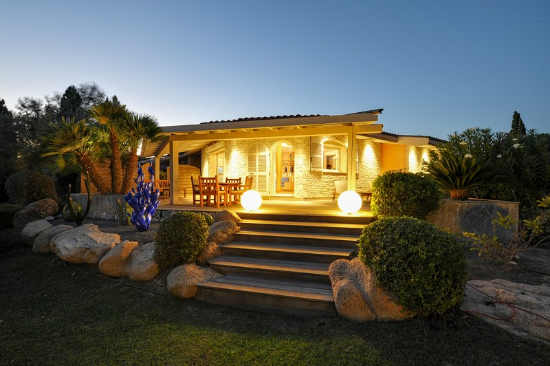 4 Star villa in Bonifacio for 4/5 people, Corsica - Image 1 - Bonifacio - rentals