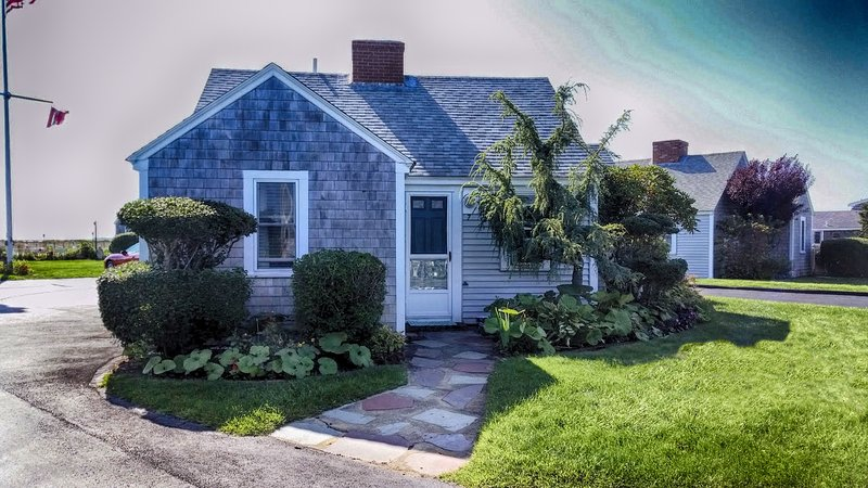 East Harbour Cottage #7 - PET FRIENDLY and Beautiful Affordable Vacation Rental - North Truro - rentals