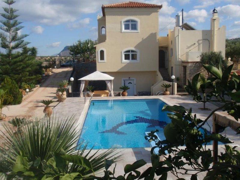 16 guest villa in Ano Gouves - Crete - Image 1 - Heraklion - rentals