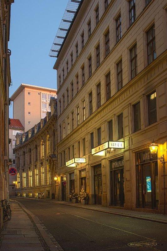 LLAG Luxury Vacation Apartment in Leipzig - 993968 sqft, central area - Image 1 - Leipzig - rentals
