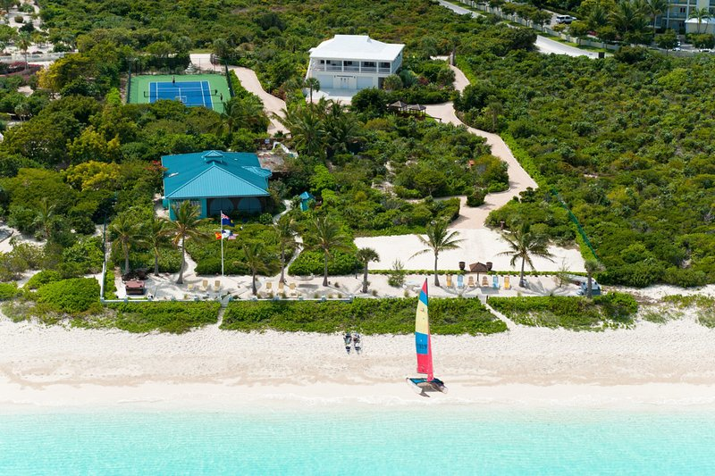 Reef Pearl on Grace Bay Beach - Image 1 - Providenciales - rentals