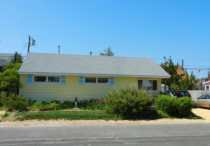 BEACH BLOCK Normandy Shores (Lavallette) NJ 3 weeks left Summer 2017 - 3BR 1b BEACH BLOCK - Normandy Shores, NJ - $2150 p/w - Normandy Beach - rentals