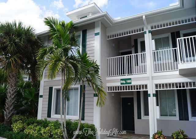 GREENLINKS 1011 - 3 Bedroom Lake View Golf Villa - Image 1 - Naples - rentals