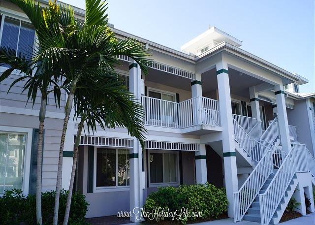 Greenlinks 724 - Upgraded 3 Bedroom Golf Villa with Fairway Views - Image 1 - Naples - rentals