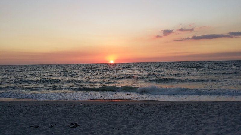 Naples Gulf View Sunsets- Walk to beach - Image 1 - Naples - rentals
