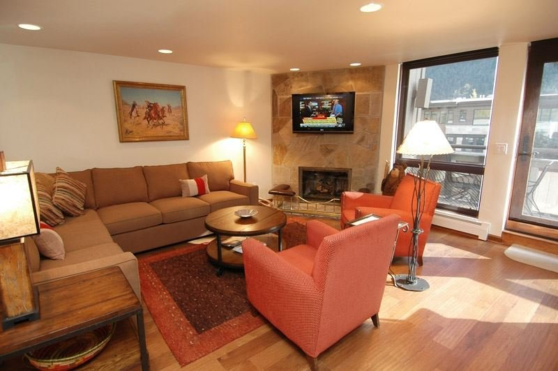 living_area_1.jpg - Concept 600 Unit 404 - Aspen - rentals