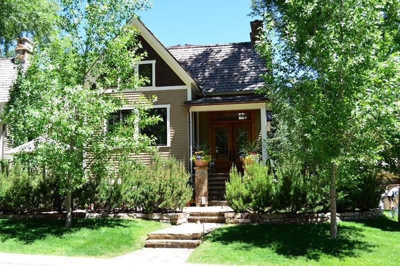 Exterior2.jpg - 330 W. Bleeker St. - Aspen - rentals