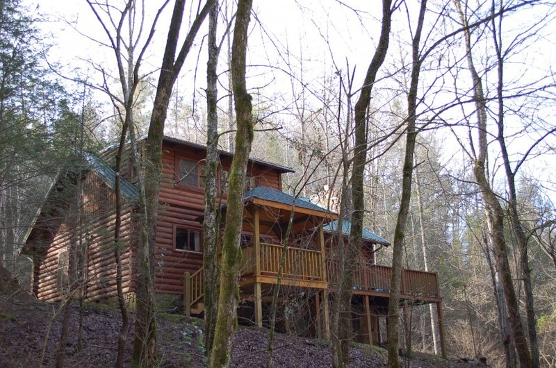 Lodge Between the Streams - Image 1 - Sevierville - rentals