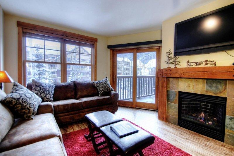 "SkyRun Property - ""8854 The Springs"" - Living Room - 8854 The Springs - Keystone - rentals"