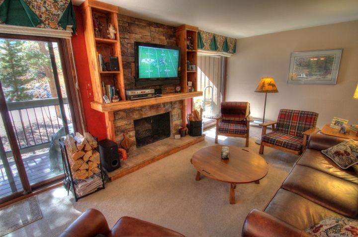 "SkyRun Property - ""1007 Wild Irishman"" - Living Room - 1007 Wild Irishman - Keystone - rentals"